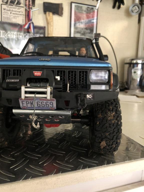 Mon Cherokee xj sur base scx10 2 88ea0410