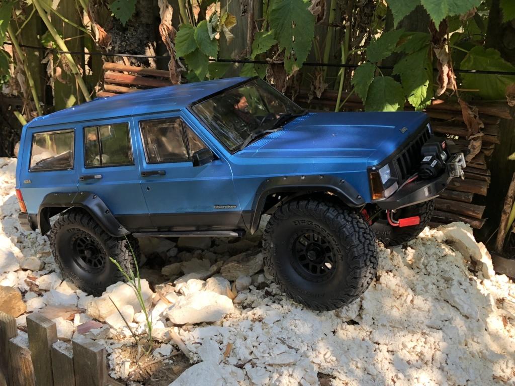 Mon Cherokee xj sur base scx10 2 B3754d10