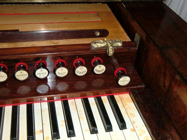 Harmonicorde et antiphonel Debain de 1863 Cimg5021