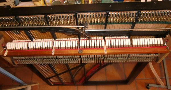 Restauration d'un harmonicorde Debain de 1863  Cimg5027