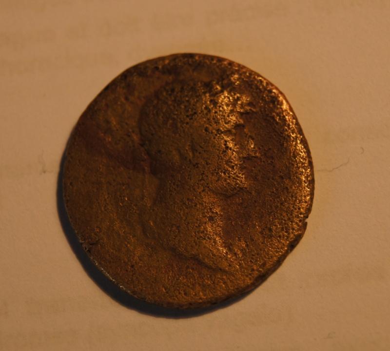 Deux monnaies romaines à identifier Dsc00510