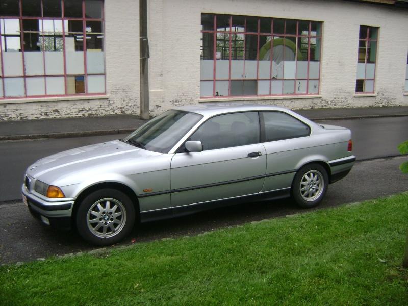 BMW 320i Coupé e36 de 1997 Dsc00614