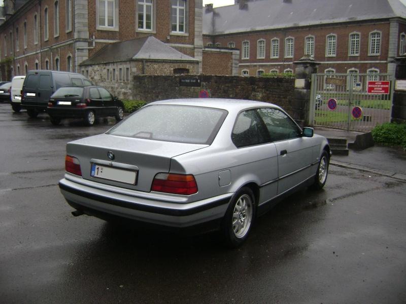 BMW 320i Coupé e36 de 1997 Dsc00618