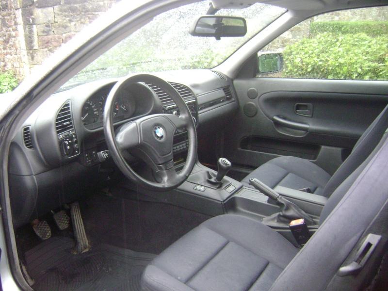 BMW 320i Coupé e36 de 1997 Dsc00621