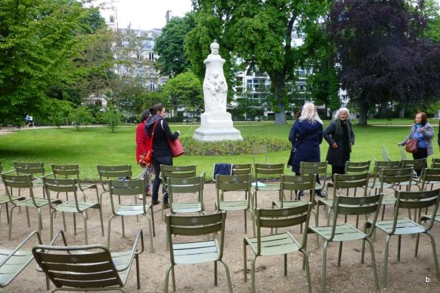 Choses vues dans le jardin du Luxembourg, à Paris - Page 2 Pariss17