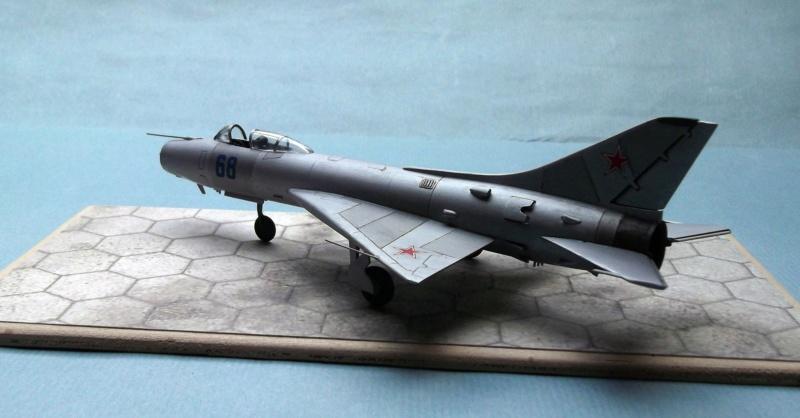 Sukhoi Su9 - Cooperativa - 1/72  Dscf8011