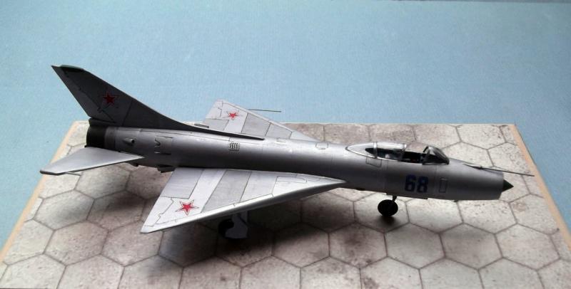 Sukhoi Su9 - Cooperativa - 1/72  Dscf8012