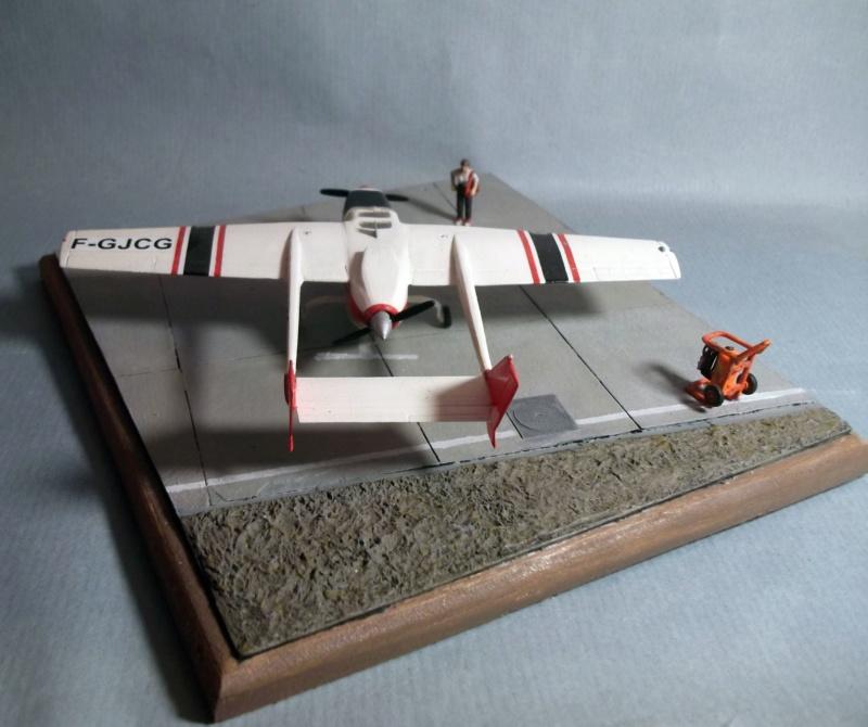 [Airfix] Cessna O2 - 1/72 - Page 2 Dscf8113