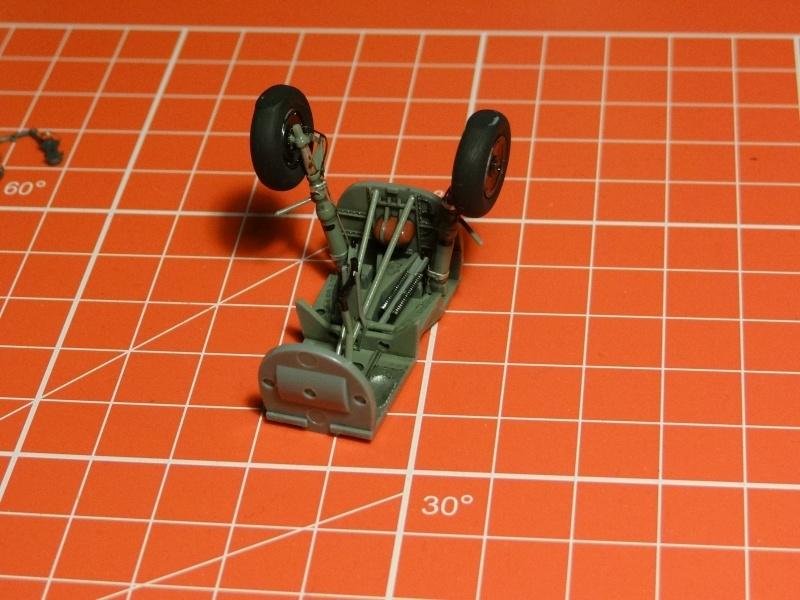 HEINKEL He 162 Salamander [ TAMIYA ](Terminé) Dsc01118