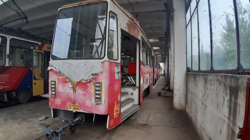 Salvarea ultimelor vehicule istorice de transport public electric din Ploiești 75279310