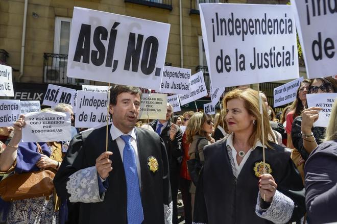 Jueces,  juezas, fiscales y cía. en España - Página 21 15426110