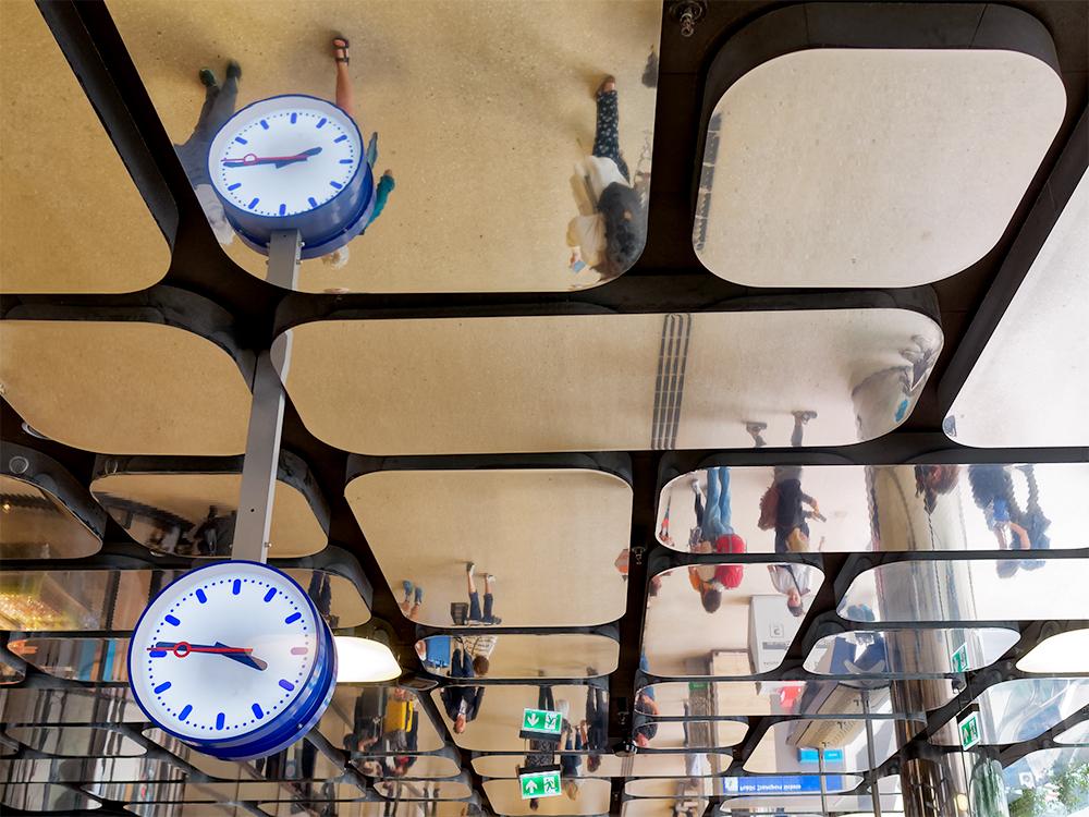 [Inclassables] Gare d'Amsterdam, plafond Gare_d11