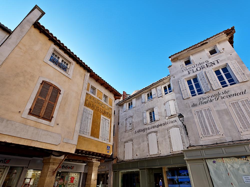 [Architecture_et_Graphisme] L'Isle-sur-la-Sorgue, anciennes enseignes P1070113