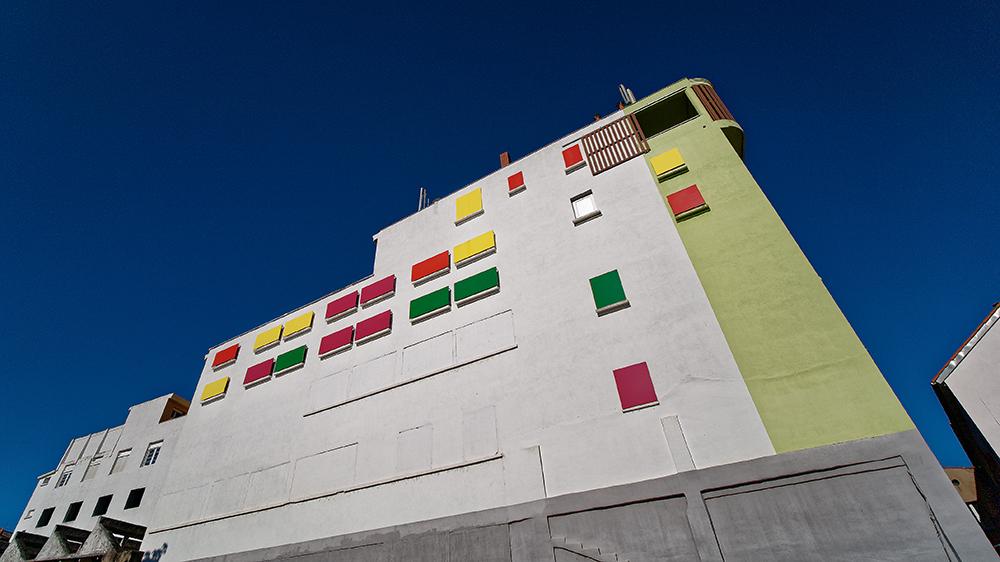 [Architecture_et_Graphisme] Millau, immeuble P1110913