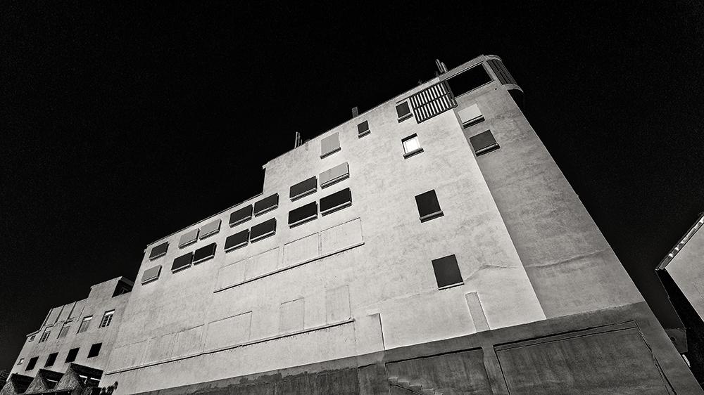 [Architecture_et_Graphisme] Millau, immeuble P1110914