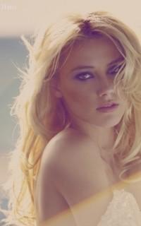 Amber Heard • 200x320 0110