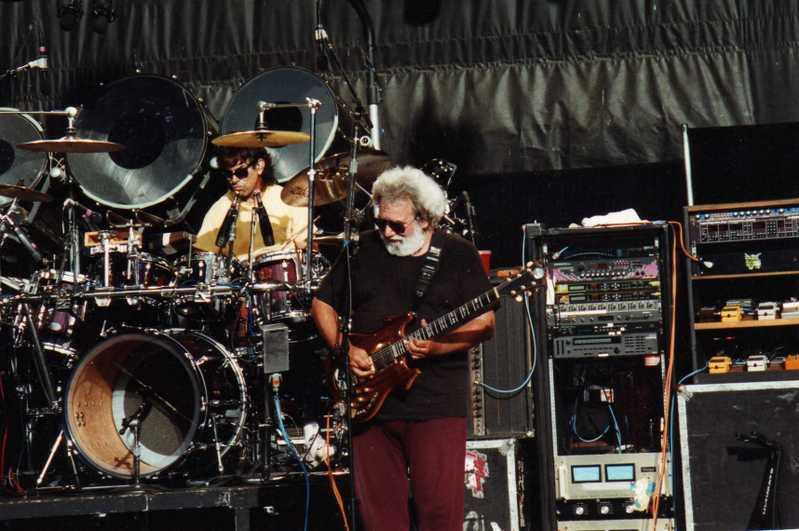 Grateful Dead - Pics - Page 4 1990-010