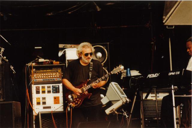 Grateful Dead - Pics - Page 4 1993je10