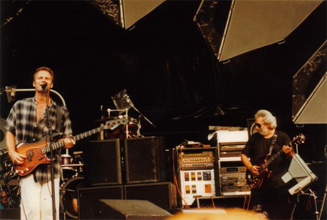 Grateful Dead - Pics - Page 4 1993st10