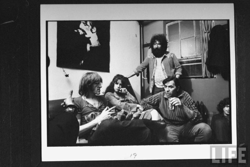 Grateful Dead - Pics - Page 4 210