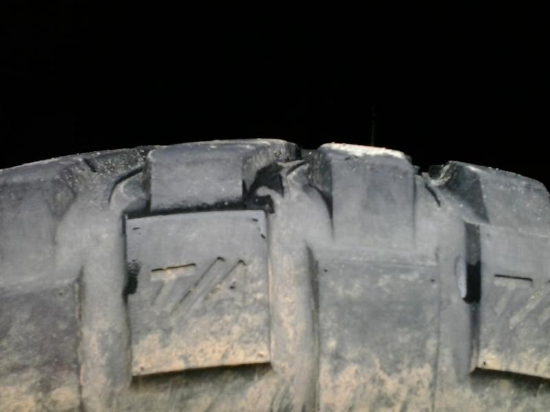 vend pneu mud 17'' 2013-010