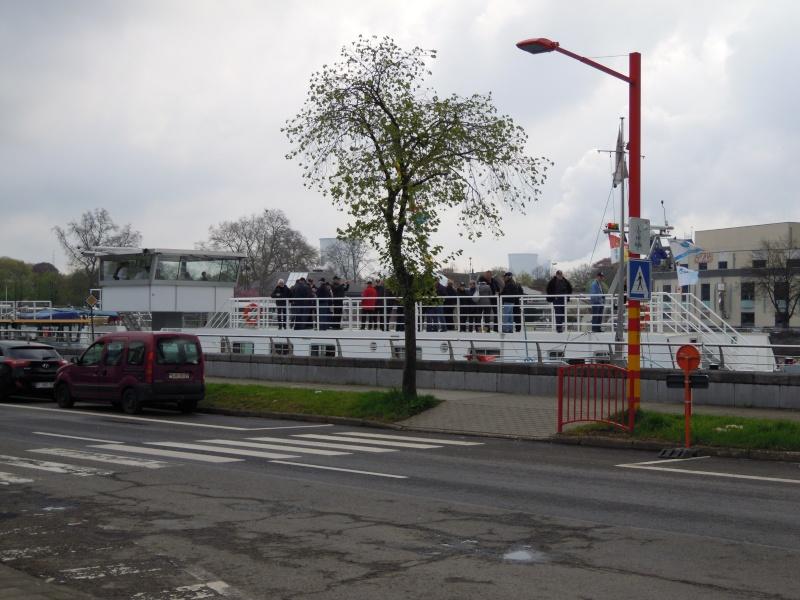 """La péniche """"Province de Liège"""" le 27.04.13 Dscn2010"""