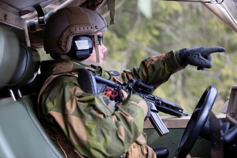 Armée norvegienne/Norwegian Armed Forces - Page 6 Norv4_10