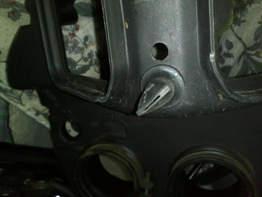 TUTO Démontage : Réservoir, Boite à air, Filtre à air, Bobines, Bougies...trek 899 Img28511