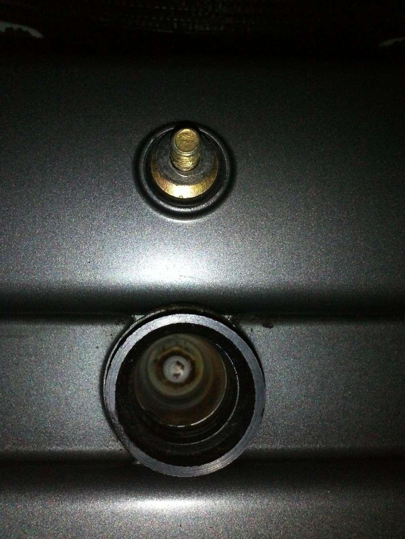 TUTO Démontage : Réservoir, Boite à air, Filtre à air, Bobines, Bougies...trek 899 - Page 3 Img30910