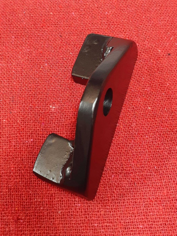 Shock Absorber lower brace K1100 Shocks12