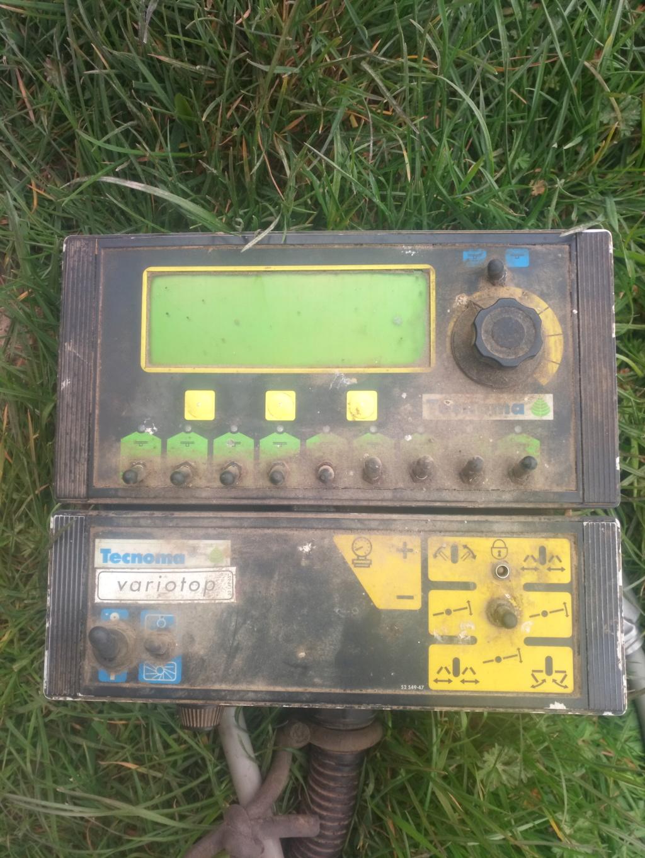 Problème boitier pulvérisateur tecnoma Boitie10