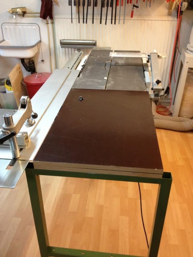 Défonçeuse sous table pour combinée bois. Img_3316