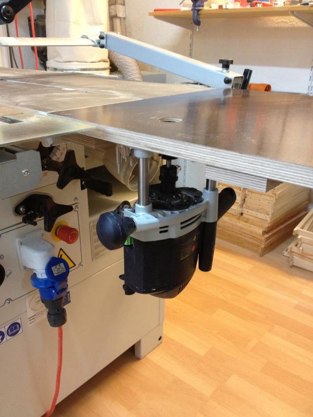 Défonçeuse sous table pour combinée bois. Img_3317