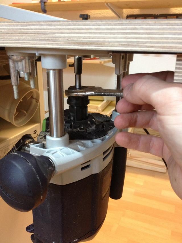 Défonçeuse sous table pour combinée bois. Img_3318