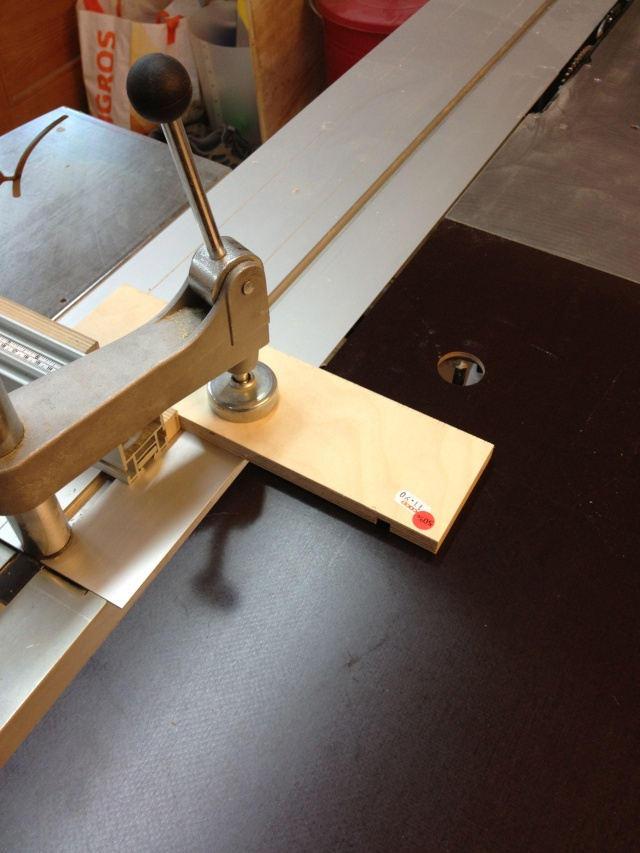 Défonçeuse sous table pour combinée bois. Img_3411