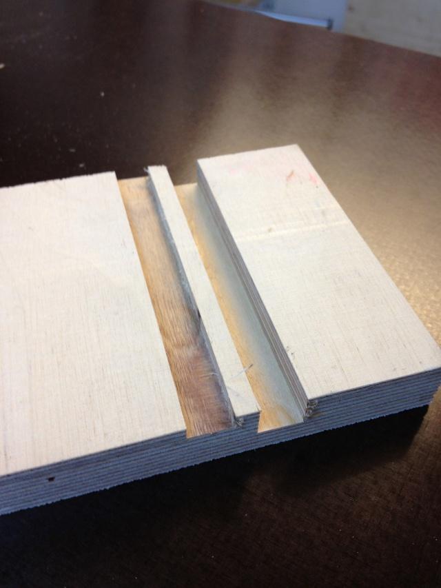 Défonçeuse sous table pour combinée bois. Img_3413