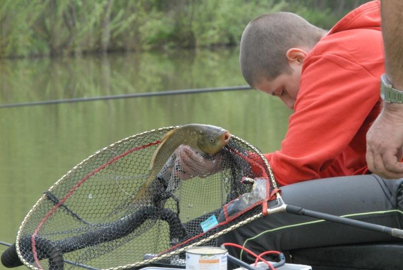 initiation pêche -18 ans à  Bussiare - Page 2 Dsc_0228