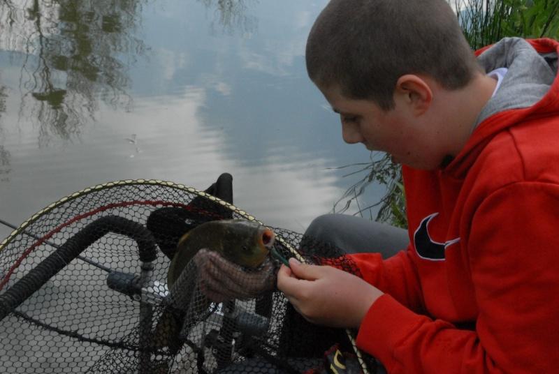 initiation pêche -18 ans à  Bussiare - Page 2 Dsc_0229