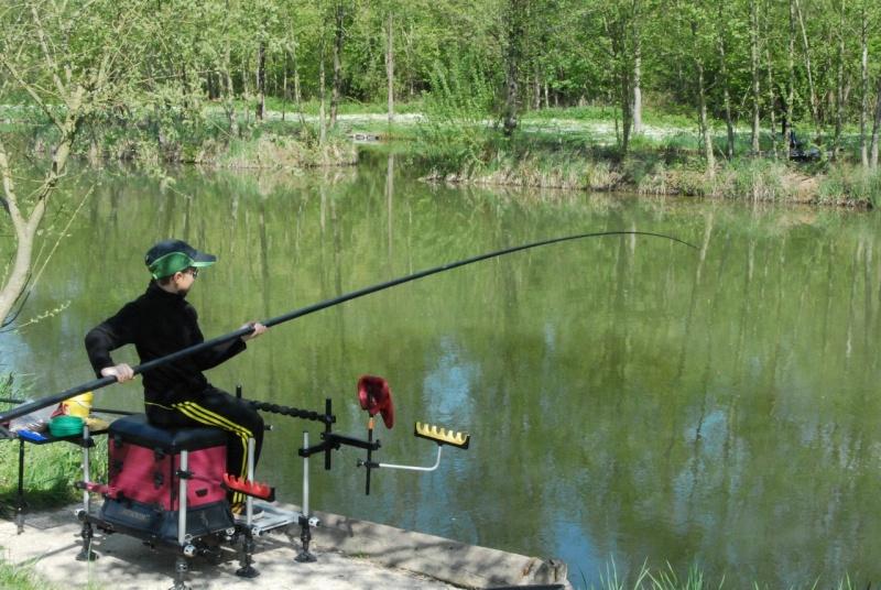 initiation pêche -18 ans à  Bussiare - Page 2 Dsc_0230