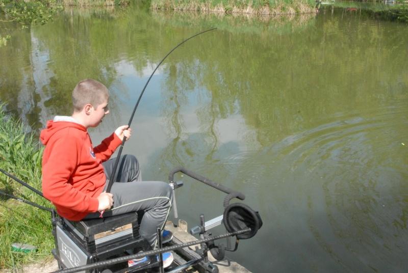 initiation pêche -18 ans à  Bussiare - Page 2 Dsc_0325
