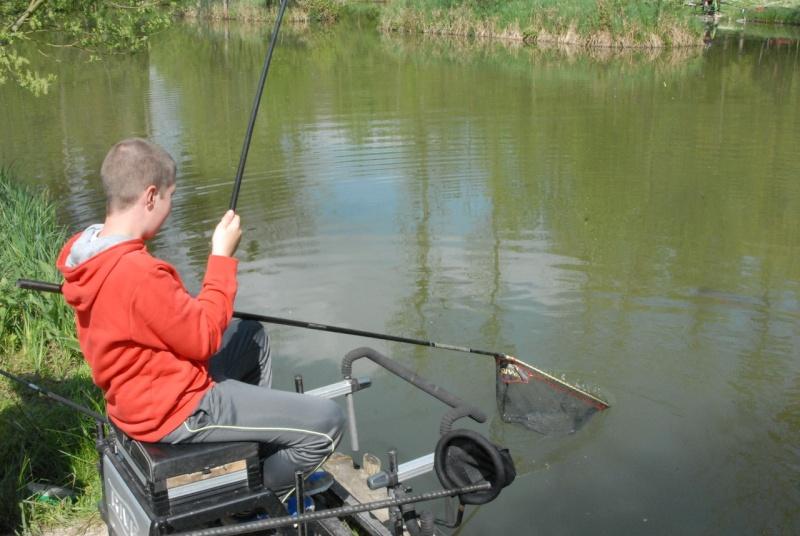 initiation pêche -18 ans à  Bussiare - Page 2 Dsc_0326