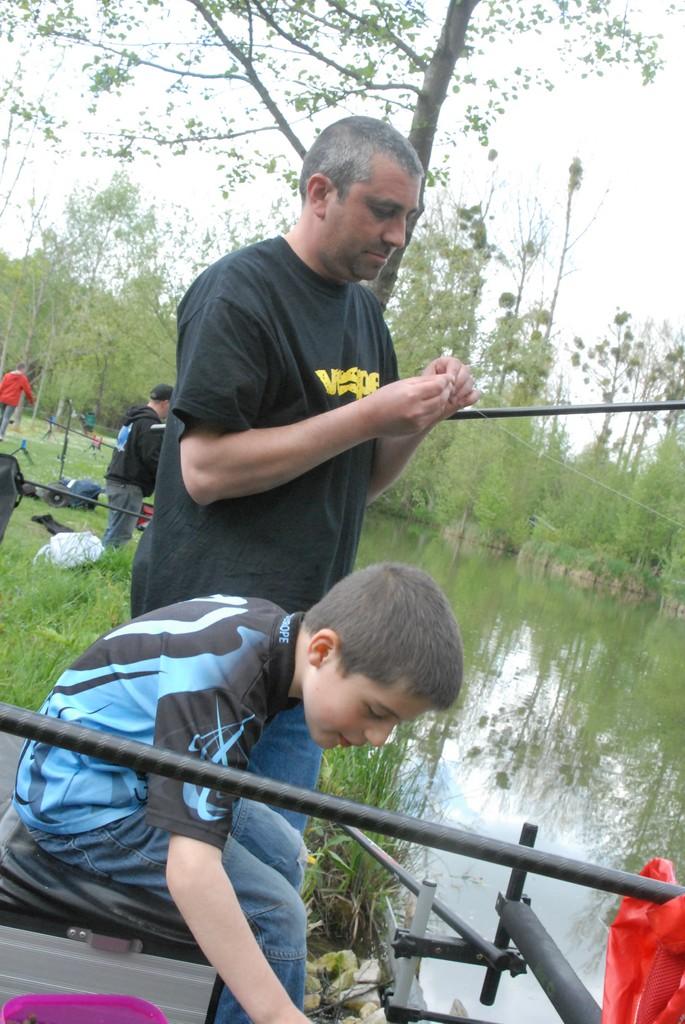 initiation pêche -18 ans à  Bussiare - Page 2 Dsc_0331