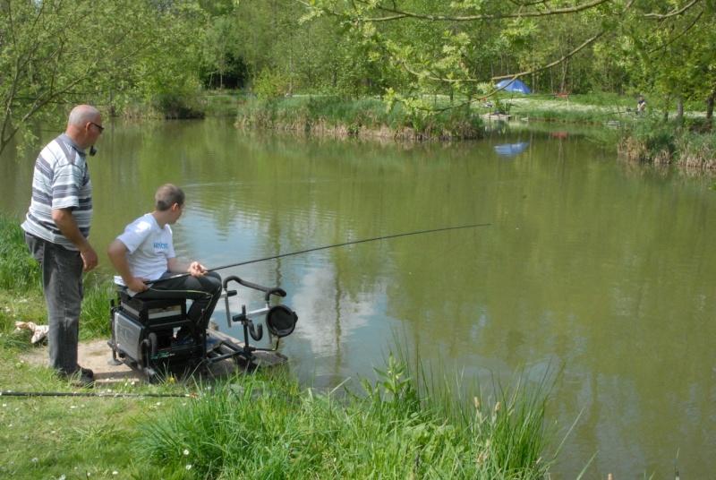 initiation pêche -18 ans à  Bussiare - Page 2 Dsc_0332