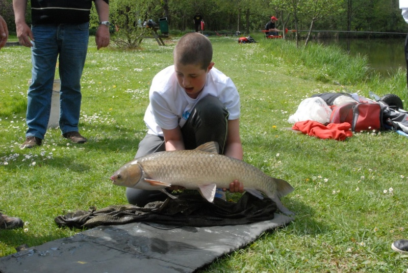 initiation pêche -18 ans à  Bussiare - Page 2 Dsc_0432