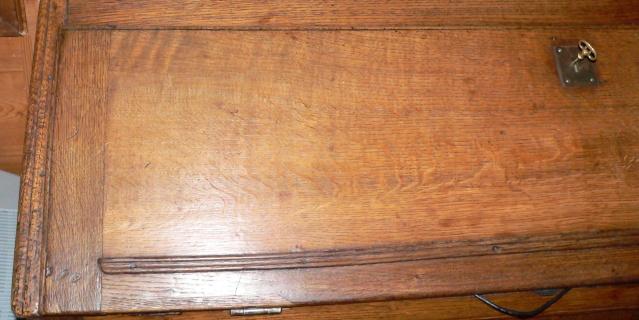 Restauration d'une table de ferme  P1020127