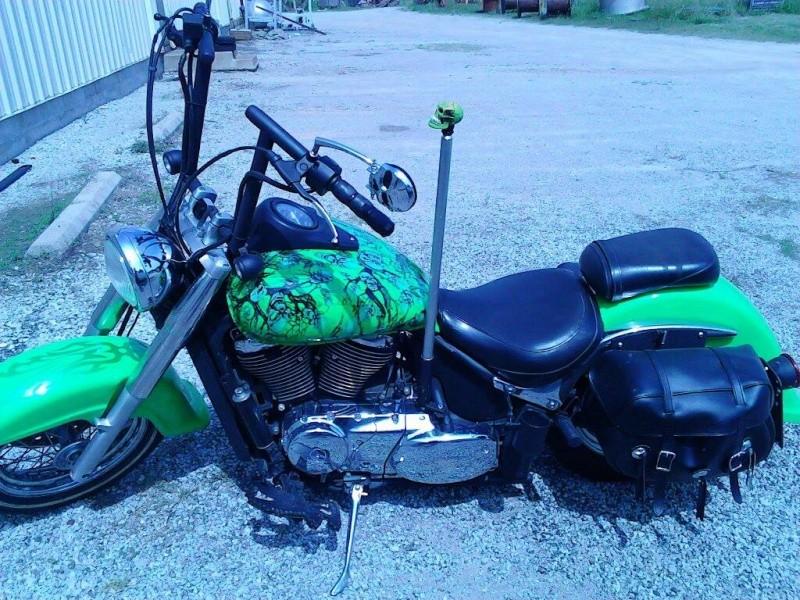 My Old School style .......... 2002 Suzuki VL800 98685710