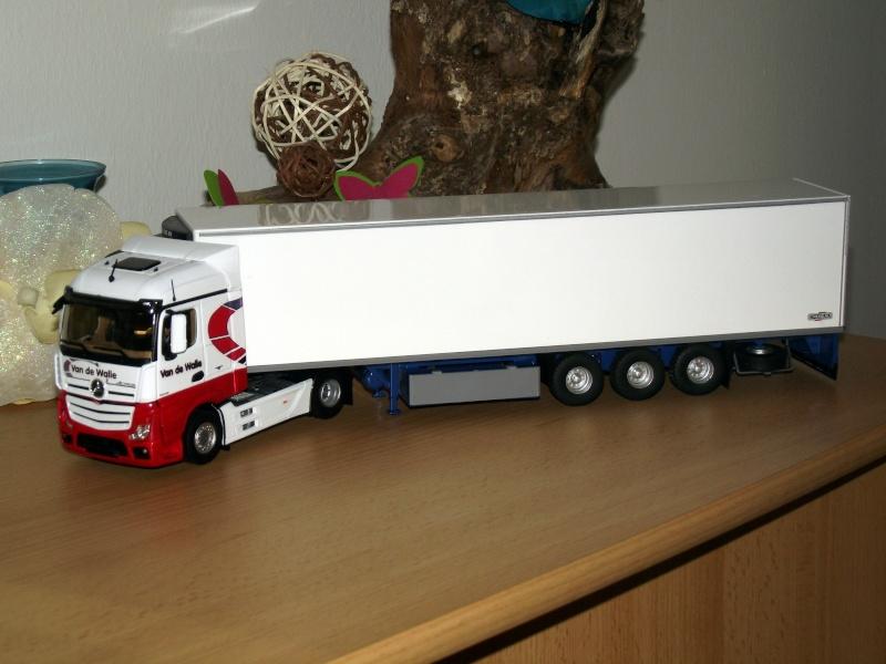 Miniatures camions 1/50 et 1/43 de David 36. - Page 6 Dscf7211
