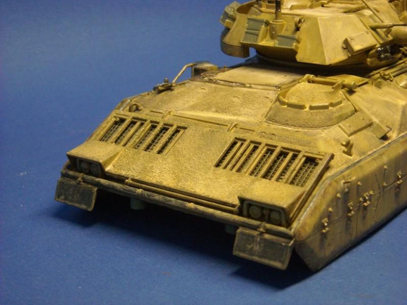 Bradley M-2 avec intérieur complet (TAMIYA 1/35°) Dscn4310