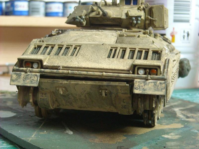 Bradley M-2 avec intérieur complet (TAMIYA 1/35°) Dscn4319