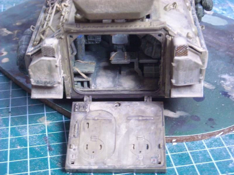 Bradley M-2 avec intérieur complet (TAMIYA 1/35°) Dscn4412